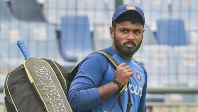 Photo of Fans slam Virat Kohli & selectors as Sanju Samson dropped for New Zealand T20Is