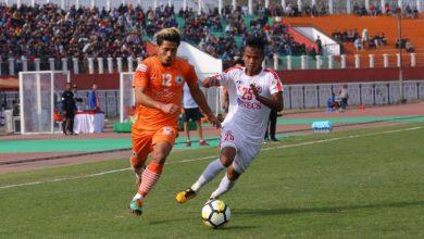 Photo of Mohammedan SC rope in Neroca FC striker